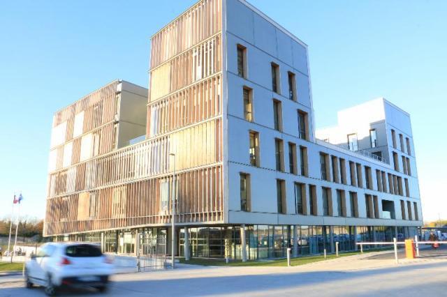 Moderne, économe, confortable... le bâtiment à un coût : 16 millions d'euros. Mais il ne devrait rien coûter au contribuable. Il sera compensé par la vente des anciens bâtiments en centre-ville. | Olivier CLERO