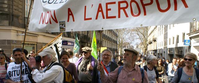 Manifestation anti-aéroport pour l'arrêt immédiat du projet